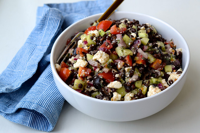 Greek Salad Lentils | www.rachelphipps.com @rachelphipps