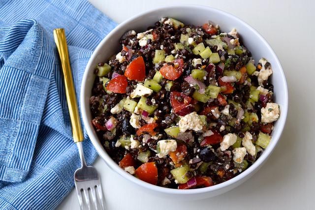 Greek Salad Lentil Bowl | www.rachelphipps.com @rachelphipps