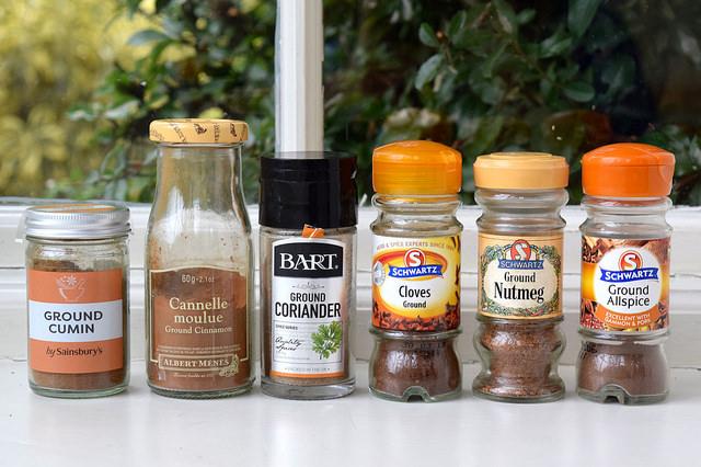 Ground Spices | www.rachelphipps.com @rachelphipps