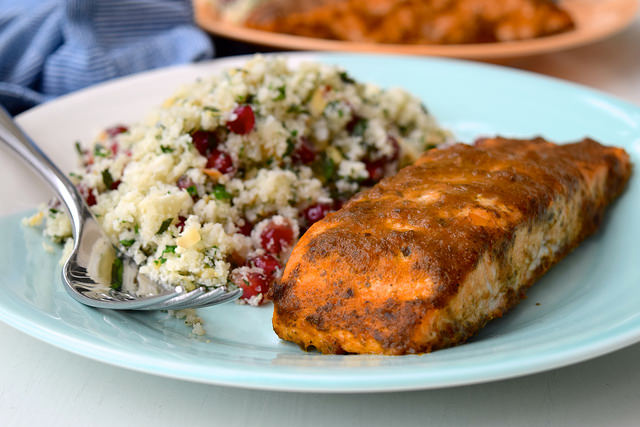 20 Minute Curried Salmon with Cauliflower Tabbouleh | www.rachelphipps.com @rachelphipps