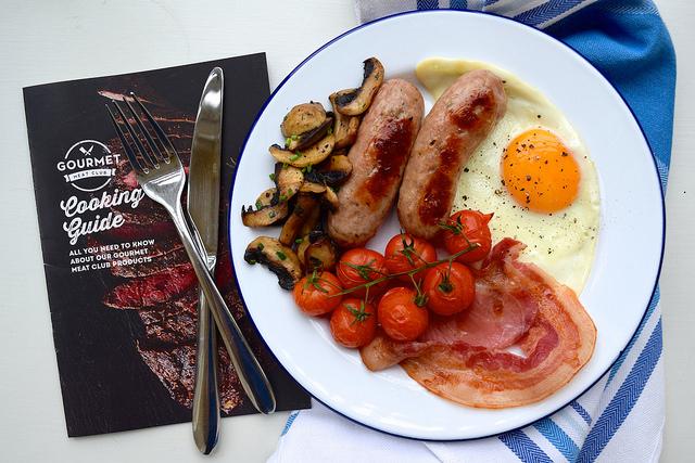 Full English Breakfast from the Gourmet Meat Club | www.rachelphipps.com @rachelphipps