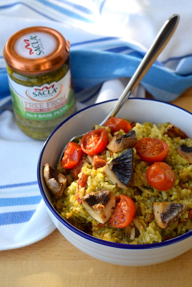 Roast Tomato and Mushroom Pesto Rice | www.rachelphipps.com @rachelphipps