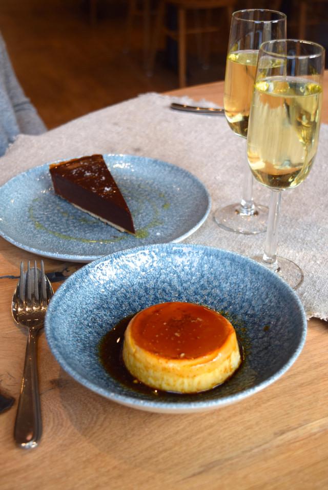 Desserts at The Wife of Bath, Wye | www.rachelphipps.com @rachelphipps