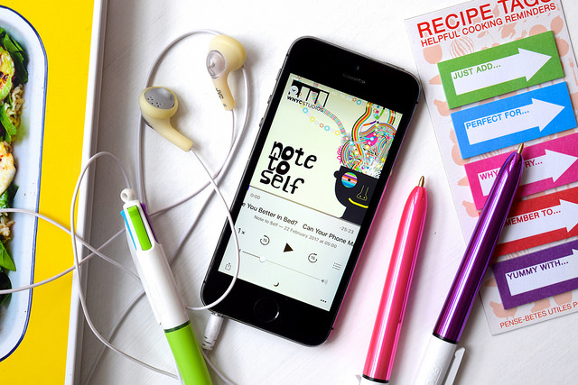 8 Podcasts I Like To Listen To In The Kitchen | www.rachelphipps.com @rachelphipps