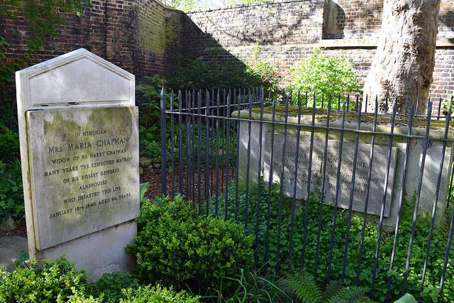 Graves at The Geffrye Museum of the Home | www.rachelphipps.com @rachelphipps