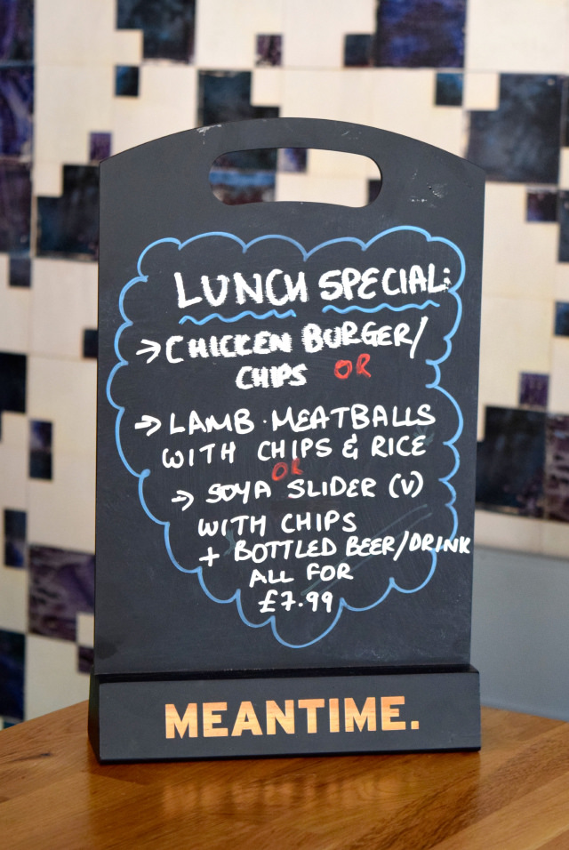 Lunch Special at The Gladstone Arms, Borough | www.rachelphipps.com @rachelphipps