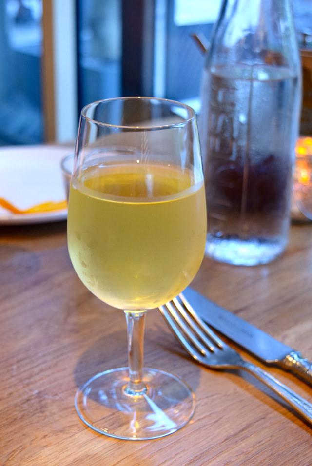 White Wine at Mercante, Mayfair | www.rachelphipps.com @rachelphipps