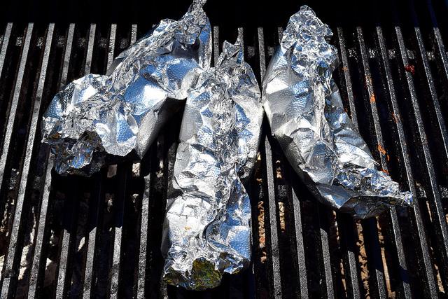 Roasting Nectarines on the Barbecue | www.rachelphipps.com @rachelphipps
