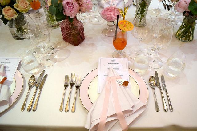 Table Settings | www.rachelphipps.com @rachelphipps