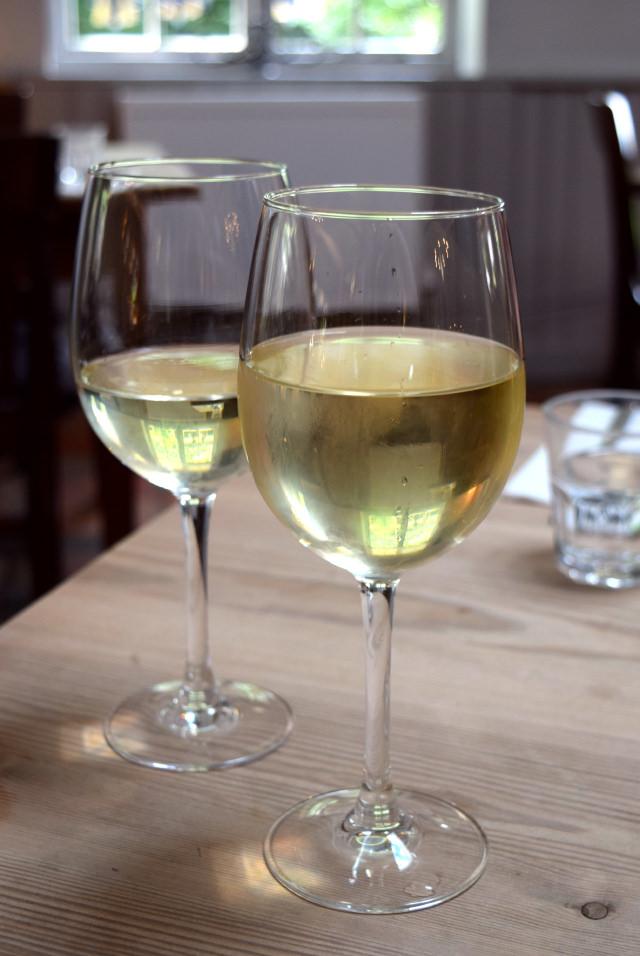 White Wine at The Granville, Canterbury | www.rachelphipps.com @rachelphipps