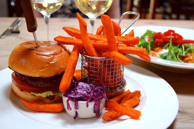 Lunch at The Granville, Canterbury | www.rachelphipps.com @rachelphipps