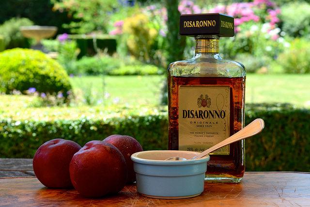 Making Roasted Nectarines with Amaretto & Vanilla Ice Cream | www.rachelphipps.com @rachelphipps