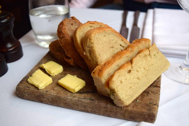Bread at The Gun, Docklands | www.rachelphipps.com @rachelphipps