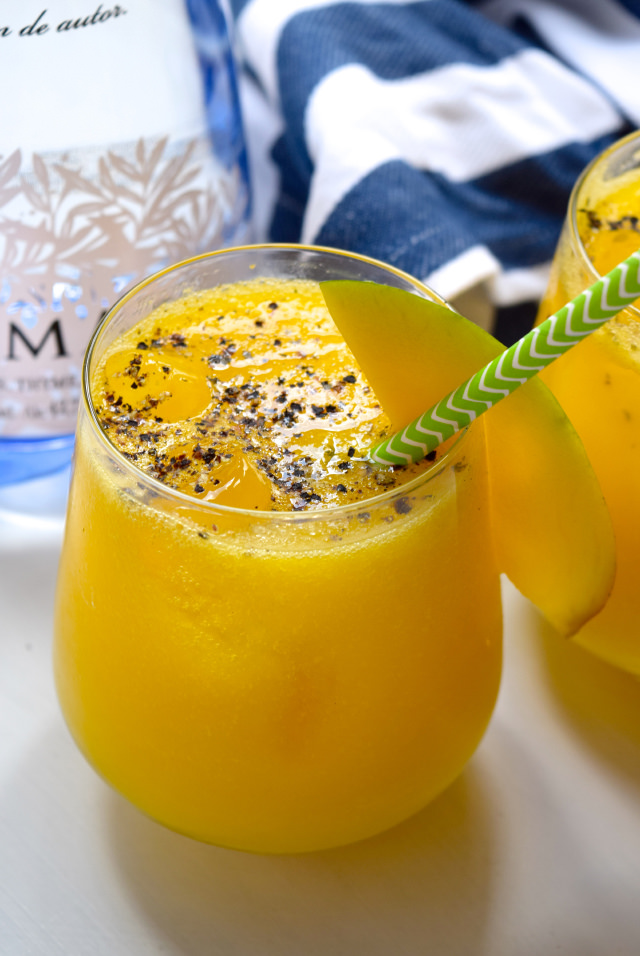 Gin & Mango Spritz | www.rachelphipps.com @rachelphipps