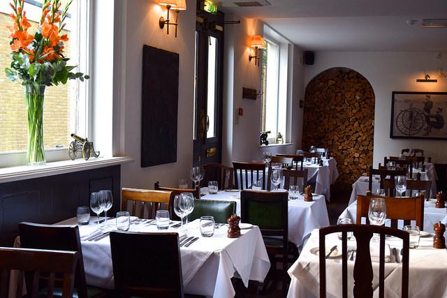 Dining Room at The Gun, Docklands | www.rachelphipps.com @rachelphipps