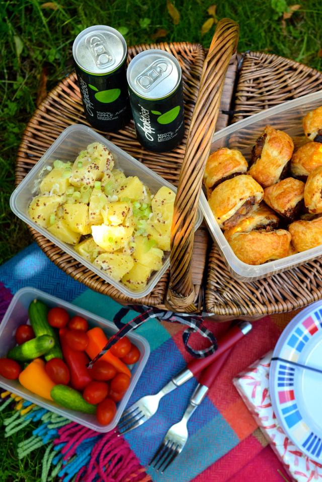 End Of Summer Picnic | www.rachelphipps.com @rachelphipps