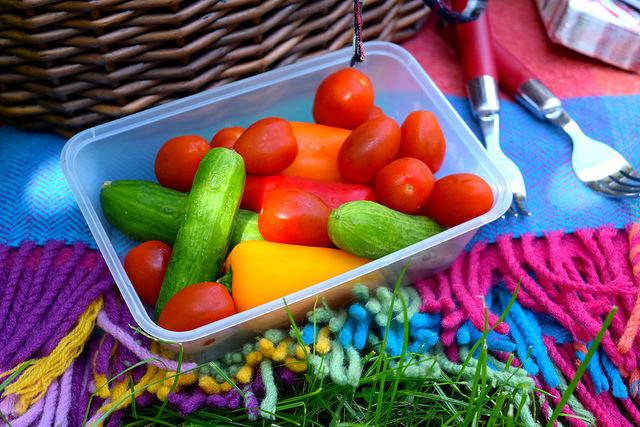 Miniature crunchy veggies for a picnic | www.rachelphipps.com @rchelphipps
