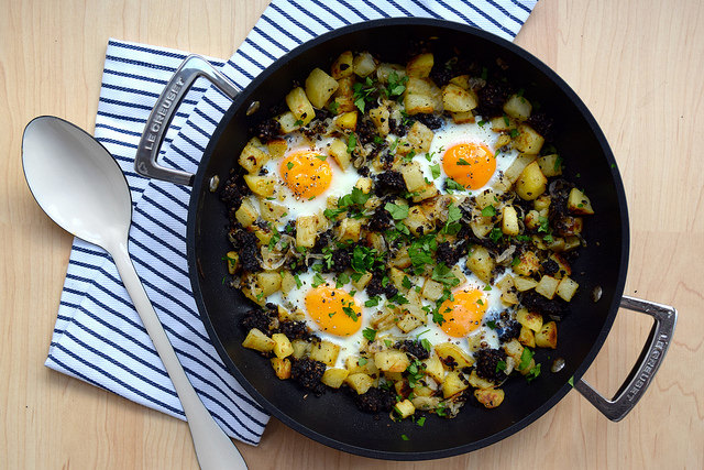 Baked Eggs with Black Pudding, Potatoes & Onions | www.rachelphipps.com @rachelphipps