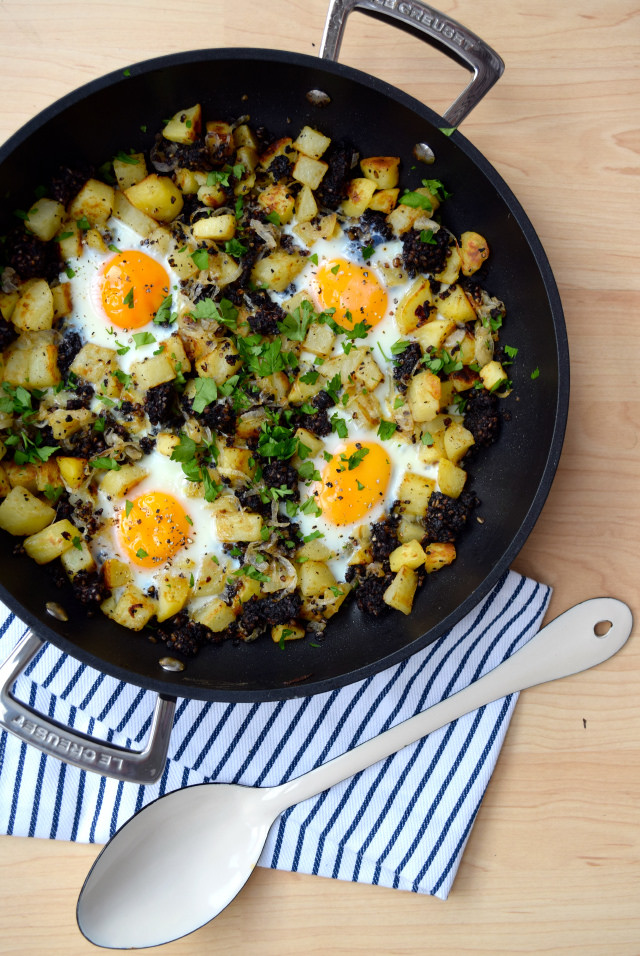 Baked Eggs with Black Pudding, Onions & Potatoes | www.rachelphipps.com @rachelphipps