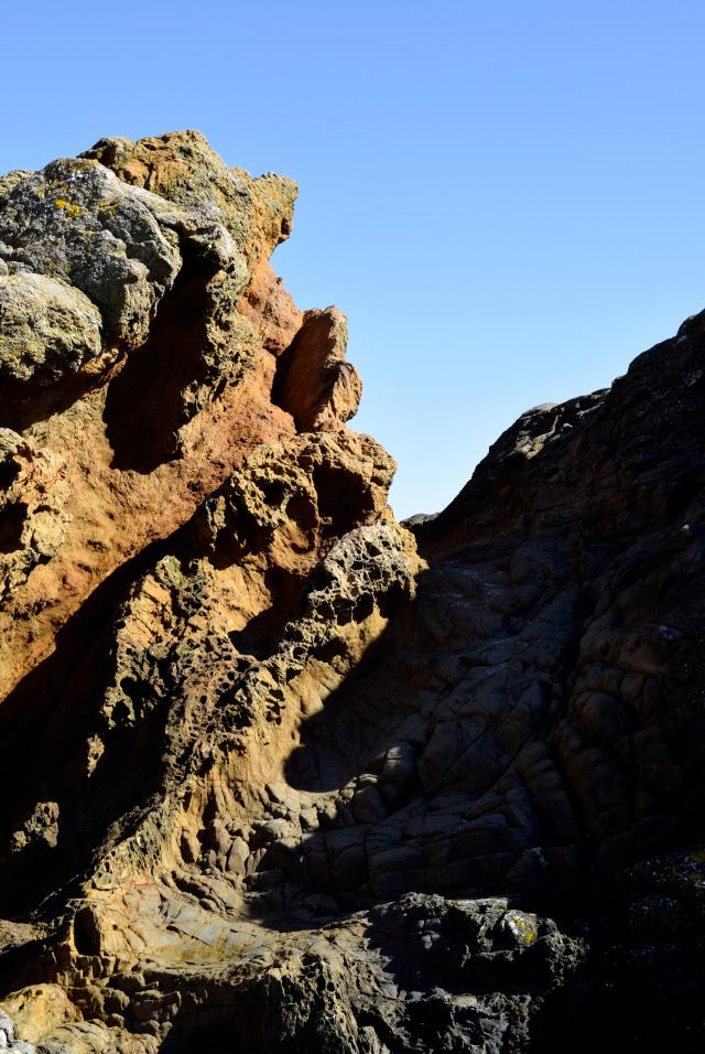 Rock Formations in St. Malo | www.rachelphipps.com @rachelphipps
