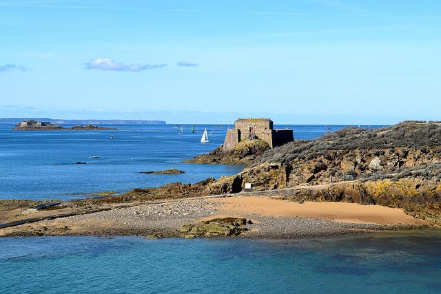 St. Malo Coast | www.rachelphipps.com @rachelphipps