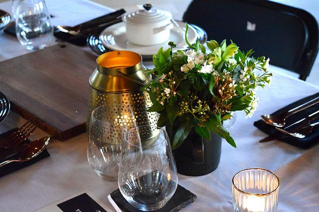 Le Creuset Floral Arrangements | www.rachelphipps.com @rachelphipps