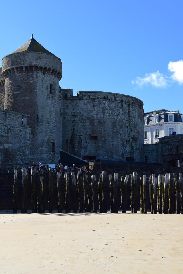 Walled Old Town of St. Malo | www.rachelphipps.com @rachelphipps