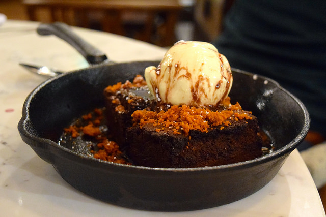 Sharing Chocolate Brownie with Honeycomb at The Pickled Hen, Marylebone | www.rachelphipps.com @rachelphipps
