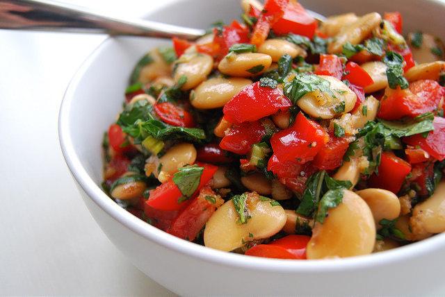 Asian Butter Bean Salad | www.rachelphipps.com @rachelphipps