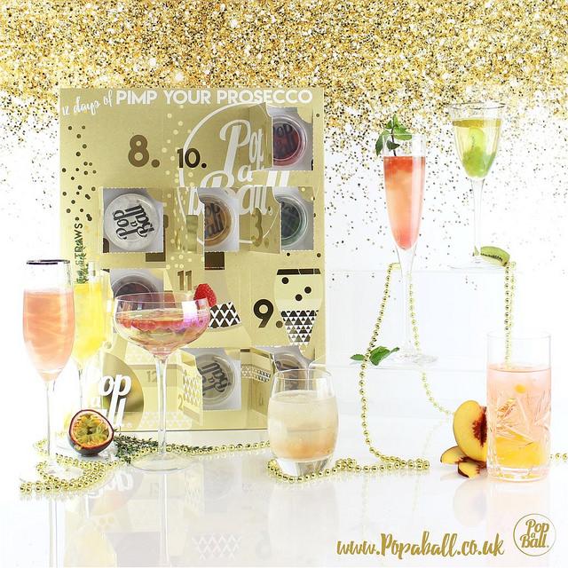 Pop a Ball Advent Calendar 2017 | www.rachelphipps.com @rachelphipps