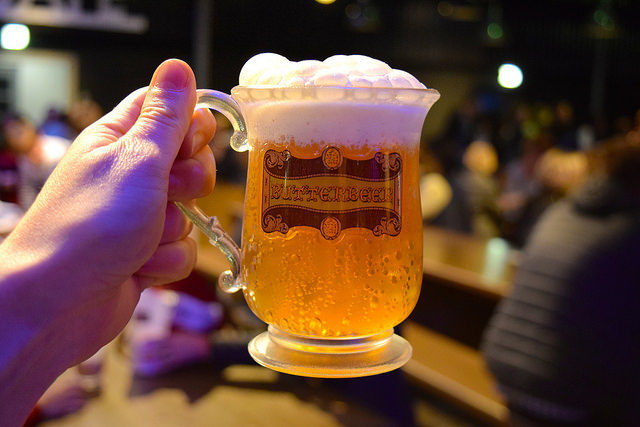 Butterbeer at the Harry Potter Studio Tour, London | #harrypotter www.rachelphipps.com @rachelphipps