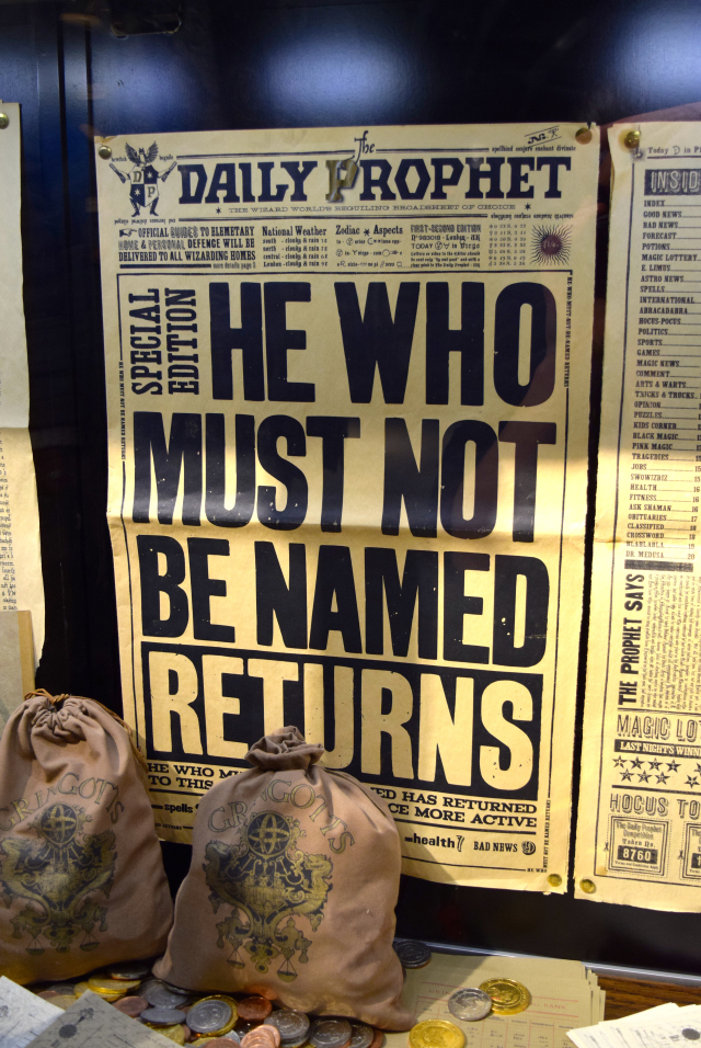 The Daily Prophet at the Harry Potter Studio Tour, London | #harrypotter www.rachelphipps.com @rachelphipps