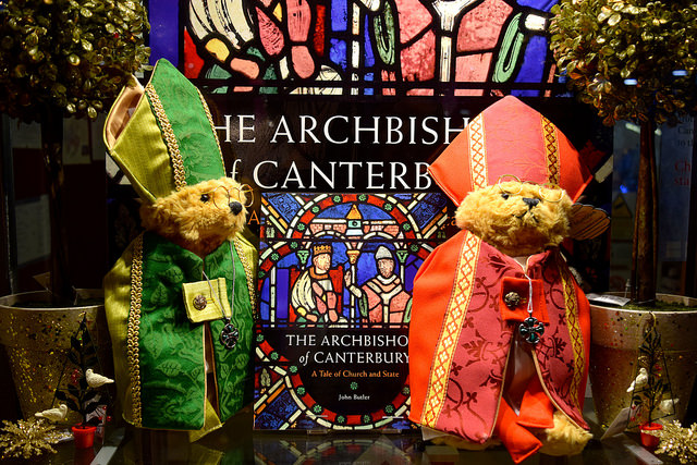 Archbishop Teddies in The Cathedral Shop's Christmas Windows, Canterbury #christmas