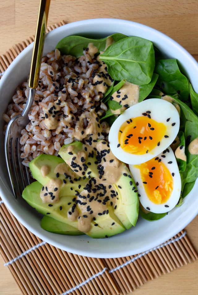 Farro, Avocado & Egg Breakfast Bowl with Miso Yogurt #avocado #egg #miso #barley #spinach #healthy #breakfast #breakfastbowl