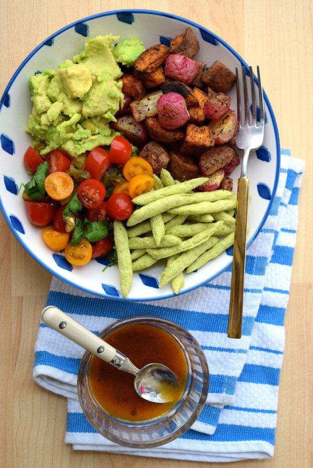 Mexican Roasted Sweet Potato, Radish & Tomato Bowl #bowlfood #healthy#sweetpotato #radish #tomato #avocado #vegetarian