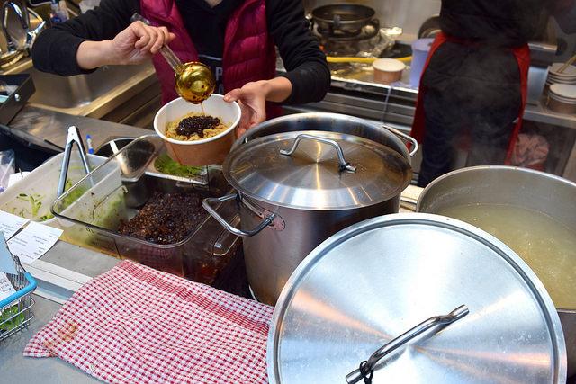 Making Dan Dan Beef Noodles at from Dumpling Shack, The Kitchen at Old Spitalfields Market #dumplingshack #streetfood #london #spitalfields
