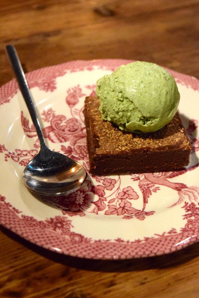 Salted Mint Ice Cream and Coco Momo at Vietfood, Chinatown #vietnamese #chinatown #london