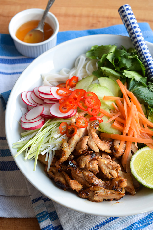 How To Make Griddled Vietnamese Chicken Noodle Bowl