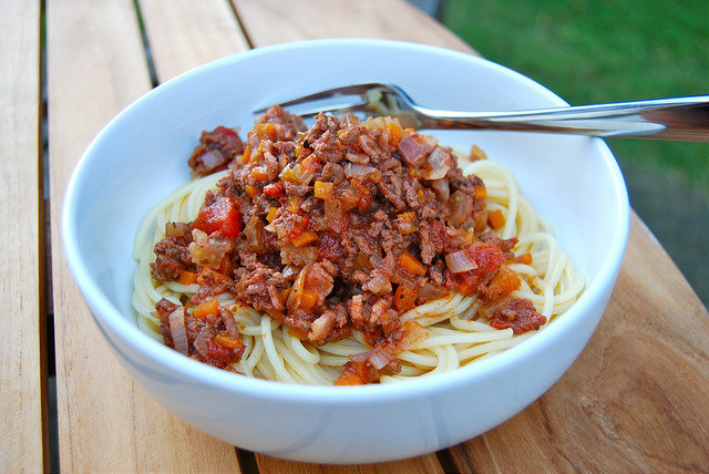 Simple and Delicious Bolognese Sauce #bolognese #beef