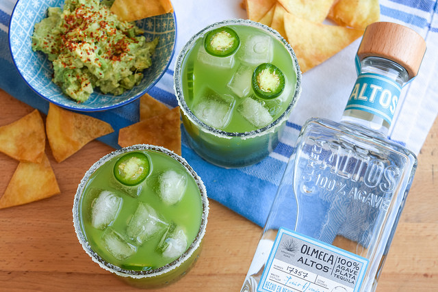 Homemade Cucumber & Jalapeño Margaritas #margarita #cocktail #cucumber #jalapeno #tequila #cincodemayo #party #summer