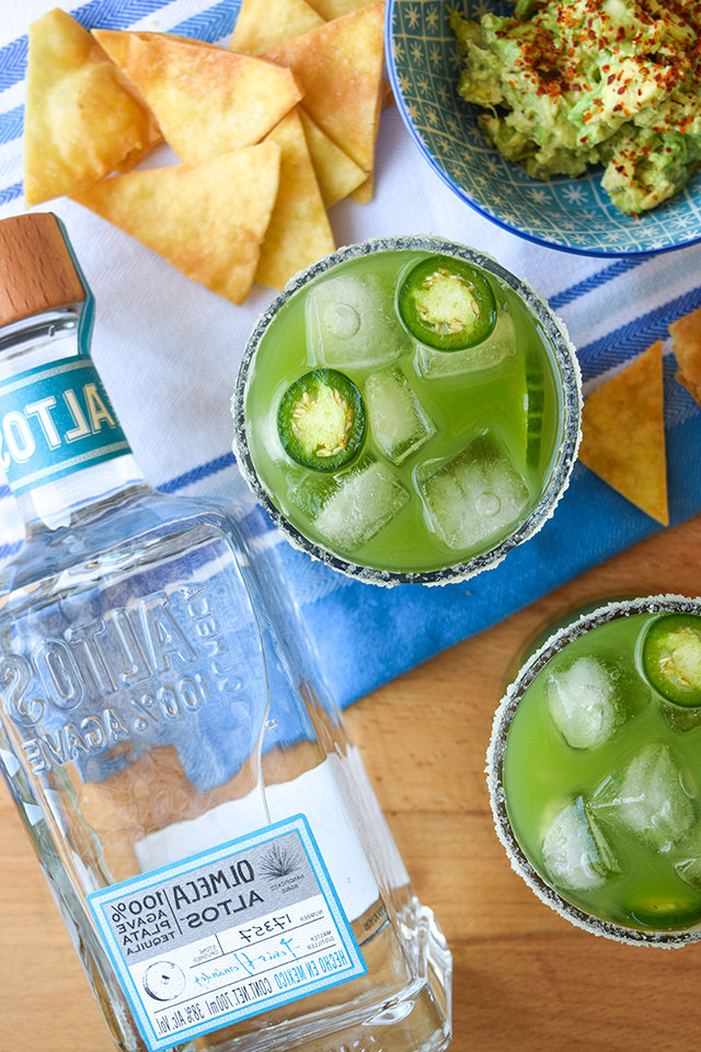 Cucumber & Jalapeño Margaritas #margarita #cocktail #cucumber #jalapeno #tequila #cincodemayo #party #summer