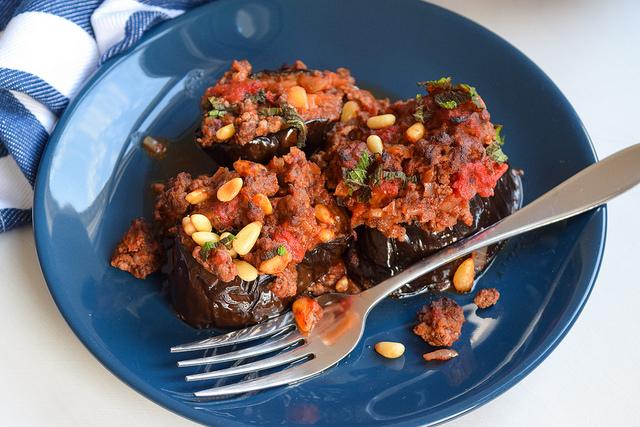 Weeknight Syrian Baked Lamb & Aubergine #syria #lamb #aubergine #eggplant #dinner