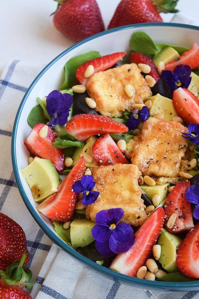 Fried Feta & Strawberry Salad with Avocado #salad #feta #friedfeta #greek #cheese #strawberry #avocado