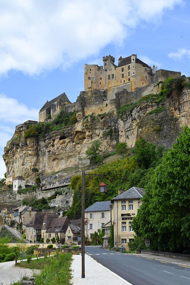 Chateau de Beynac, Dordogne #dordogne #france #travel #chateau