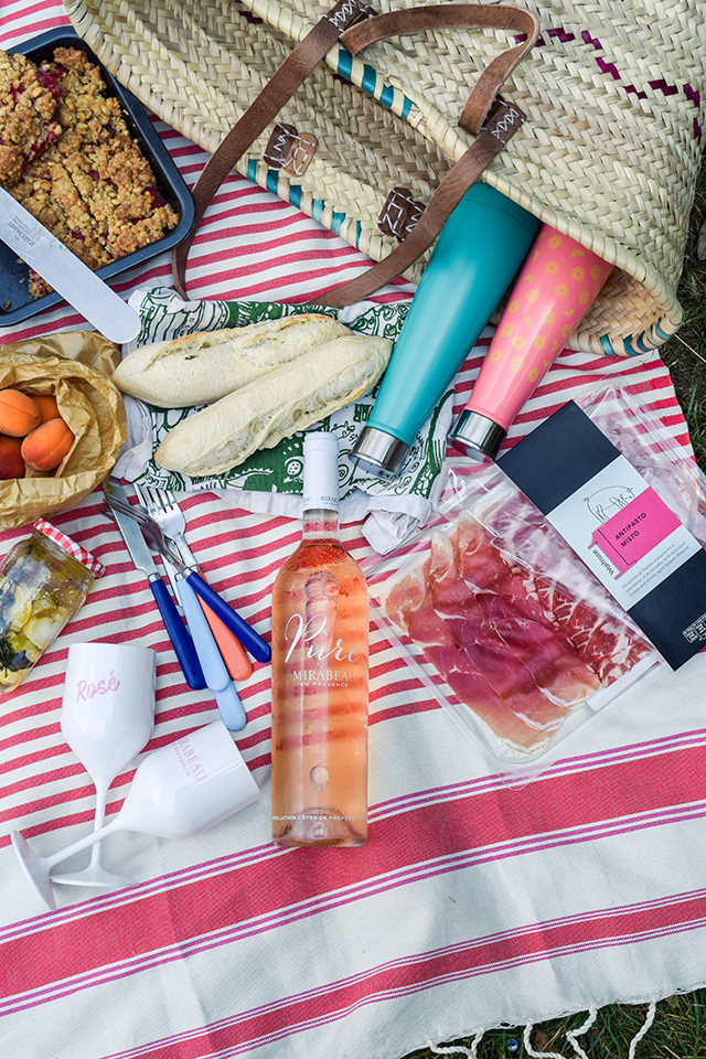 A French Picnic In The Park