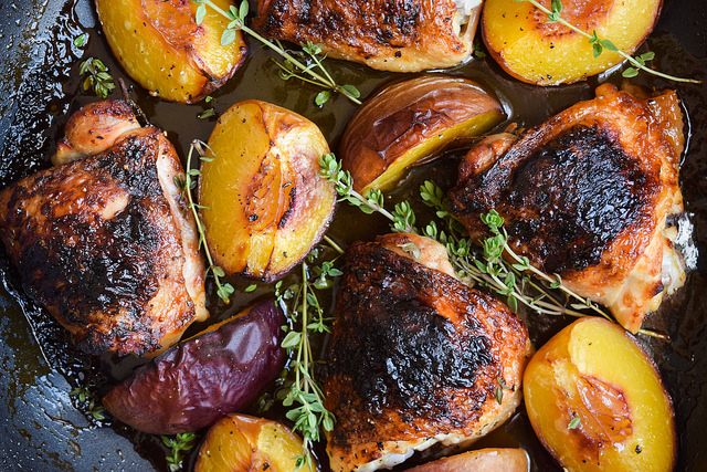 Chicken with Honey, Peaches and Thyme #chicken #honey #peaches #thyme #dinner #summer #onepan #weeknight #lecreuset