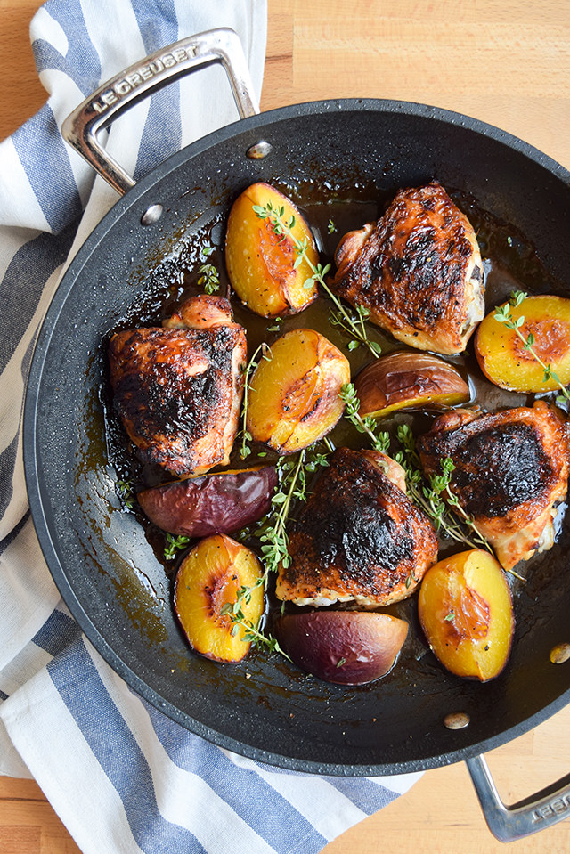 Roast Chicken with Honey, Peaches & Thyme #chicken #honey #peaches #thyme #dinner #summer #onepan #weeknight #lecreuset